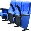 供应活动的电影院椅