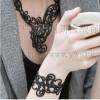 供应硅胶镂空手环,硅胶手环,链条手环,麻花手环,手腕带